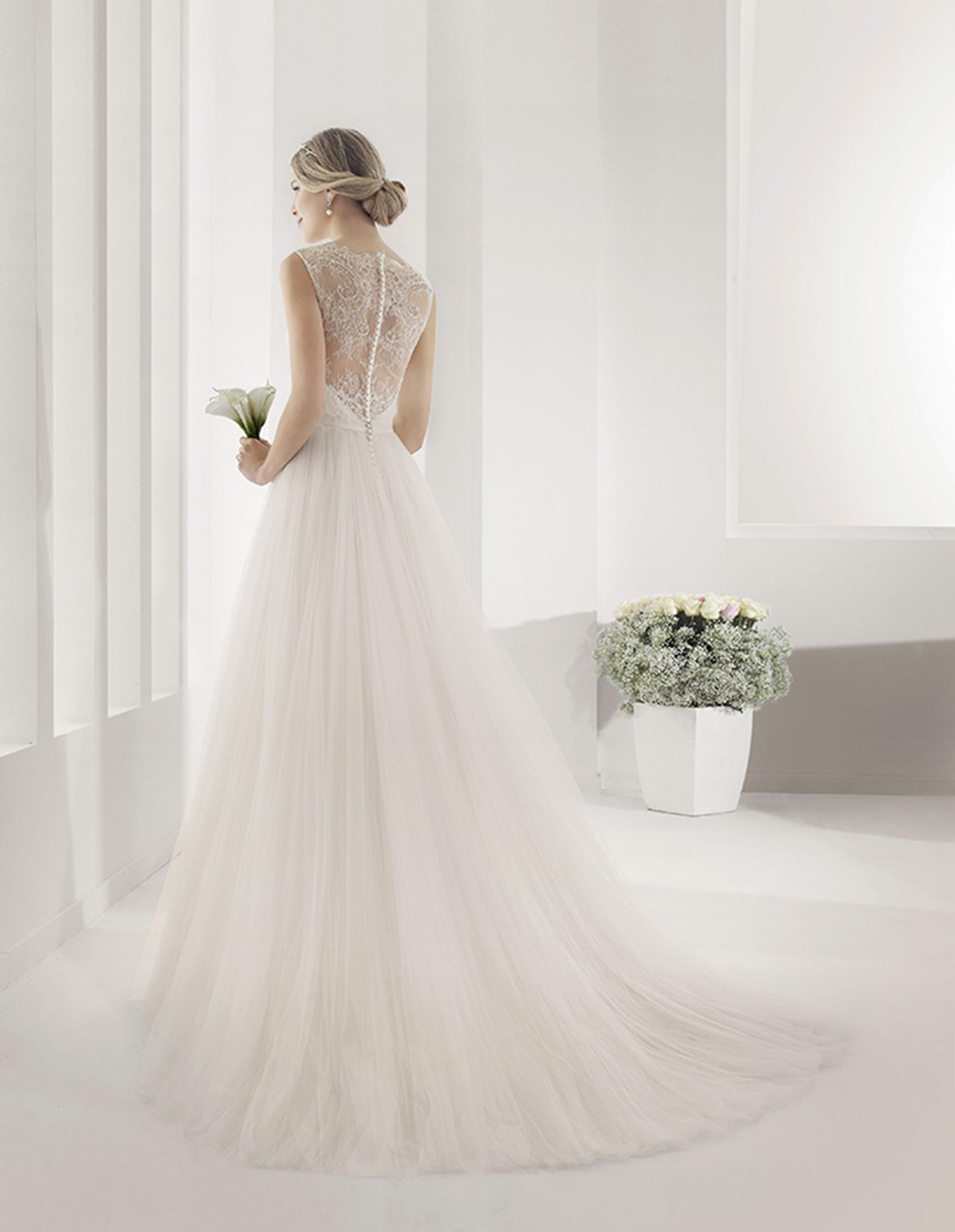 PARALELO Vestido de Alma Novia 2015