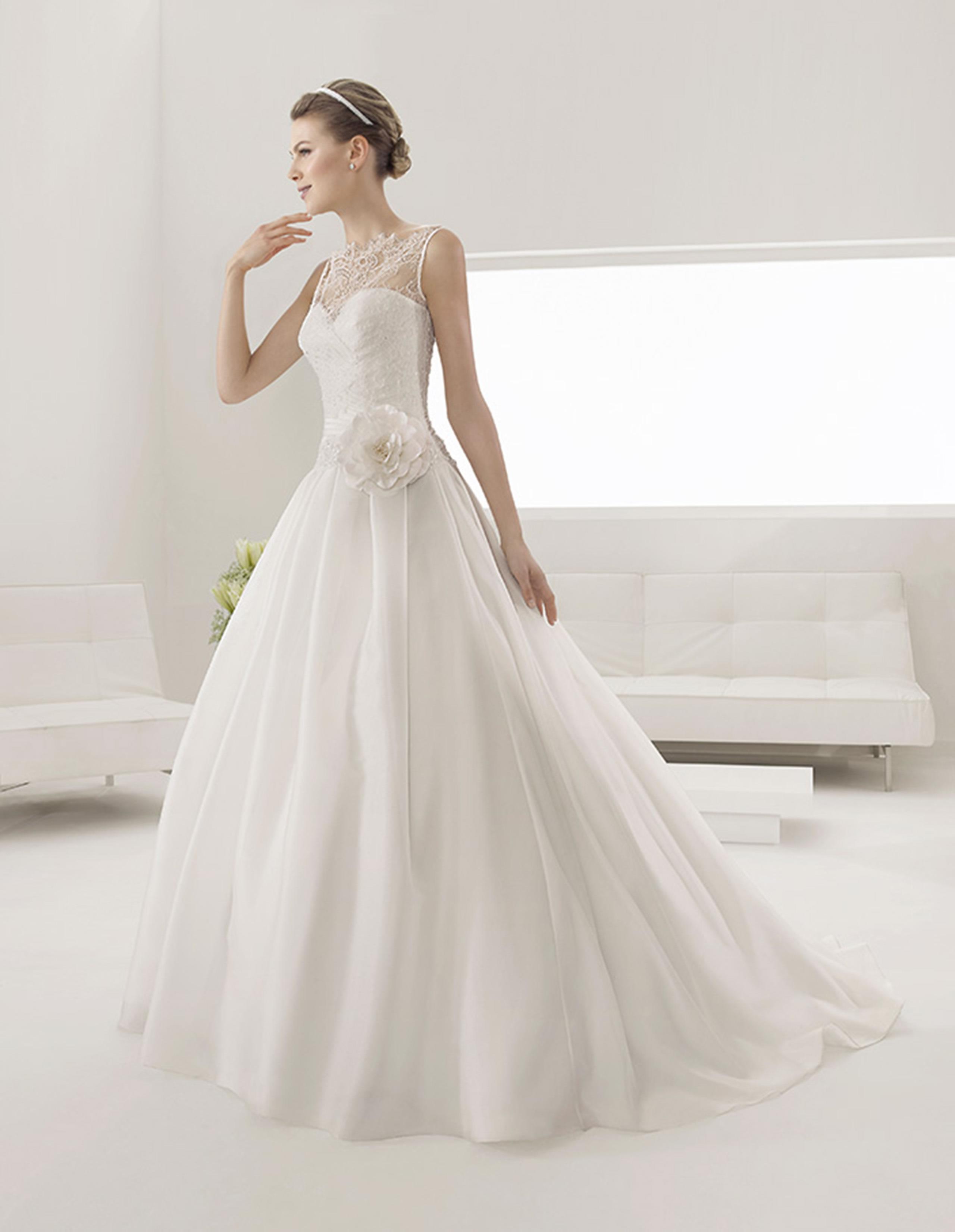 PILAR Vestido de Alma Novia 2015