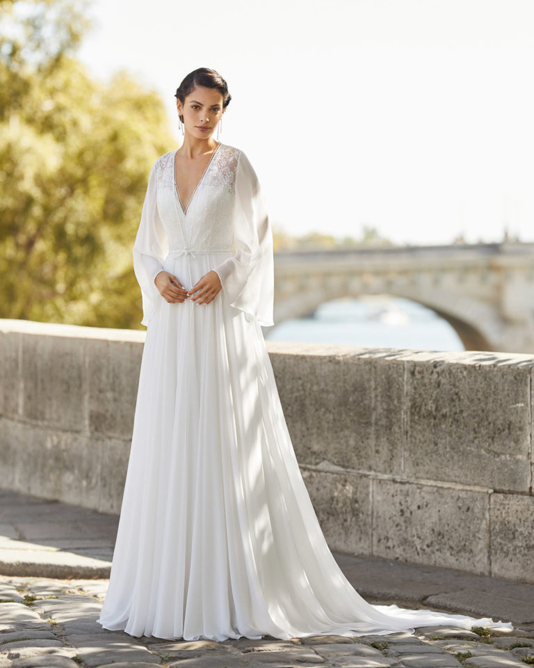 Wedding dress and long bridal jacket in chiffon and lace. 2021 ALMANOVIA Collection.
